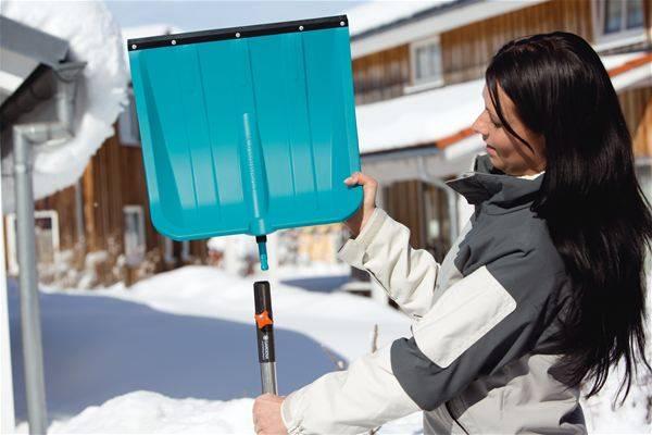 Как правильно выбрать снегоуборочную лопату